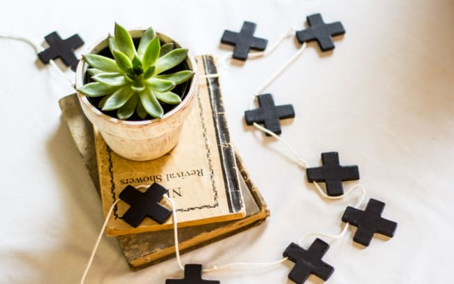 Modern Swiss Cross, Black and White themed styled shoot, Kimbrough Daniels
